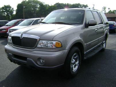 Countlasdownni 2001 Lincoln Navigator Interior